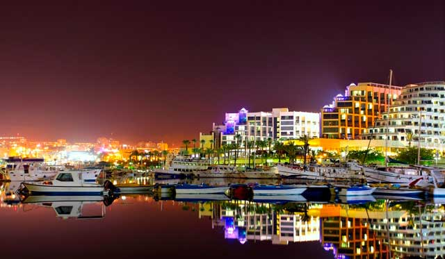 009_izrail_hotels_and_yachts_at_night_eilat_israel_foto_roman_sigaev_-_depositphotos_0.jpg
