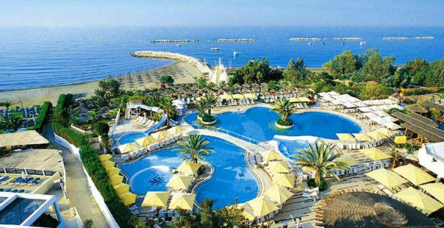 1404910333_four_seasons_cyprus_10.jpg