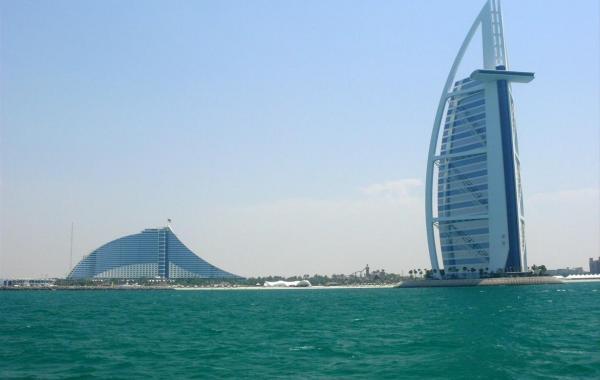 Дубай в апреле
