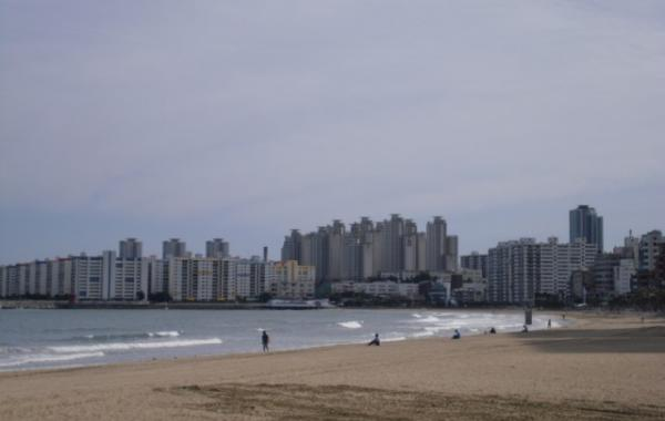 Продление работы популярного корейского пляжа