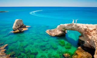 Сколько лететь до Кипра из Москвы?