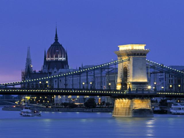 Ночные мосты Европы