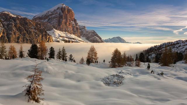 Альпы в Италии зимой покрыты снегом